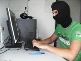 Hacker bei der Arbeit Sicher-Stark Team